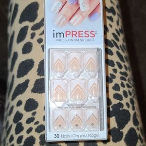 KISS imPRESS TWEETHEART Short Length Press-On Nail